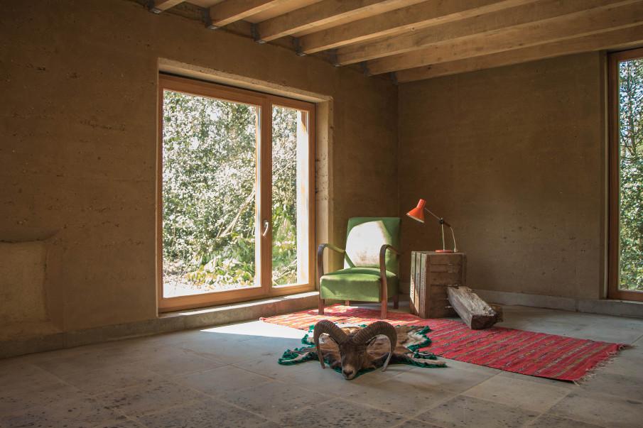 maison de chasse architects. Black Bedroom Furniture Sets. Home Design Ideas